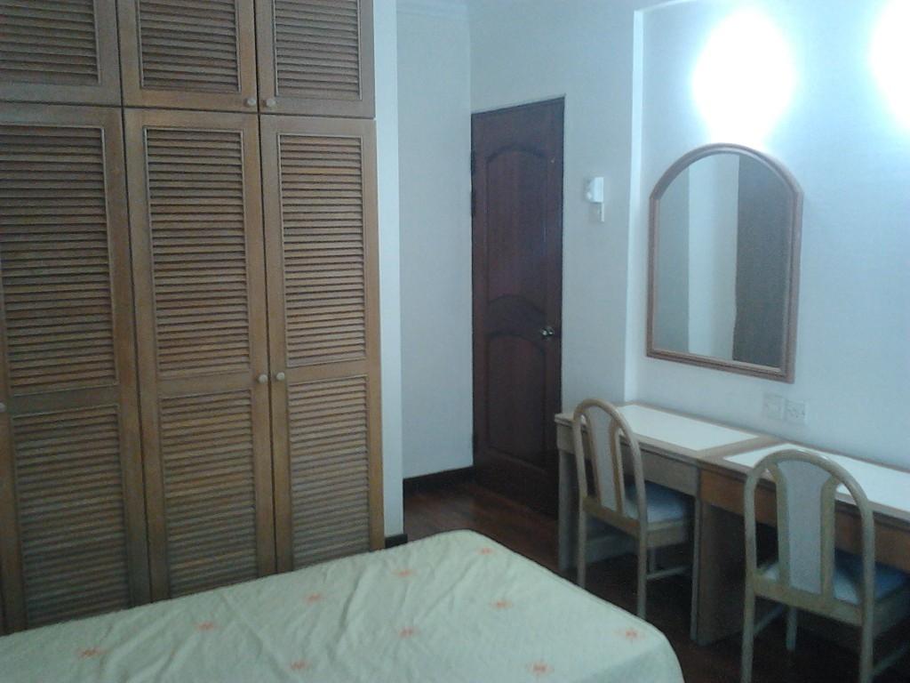 13__3rd_Room_2.jpg