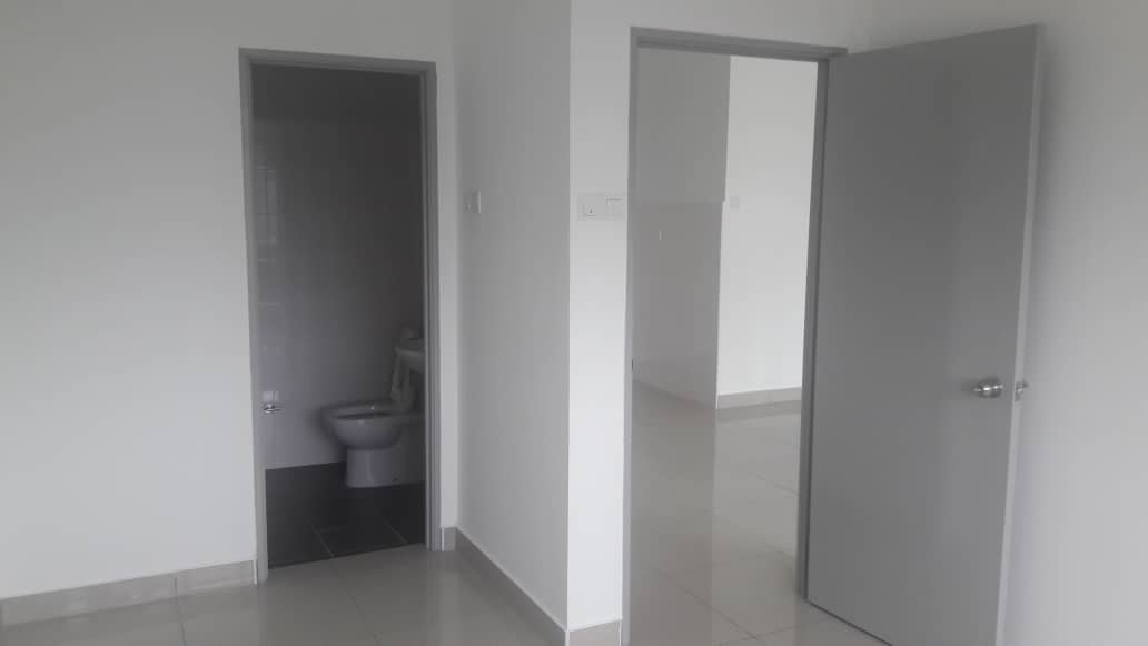 presint_bathroom.jpeg