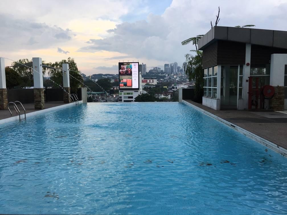swimming_pool.jpg